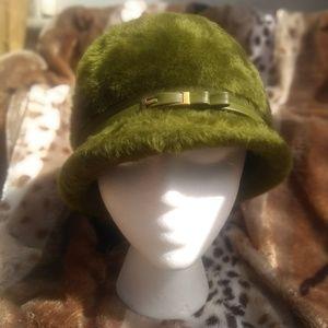 Vintage mod fuzzy green hat